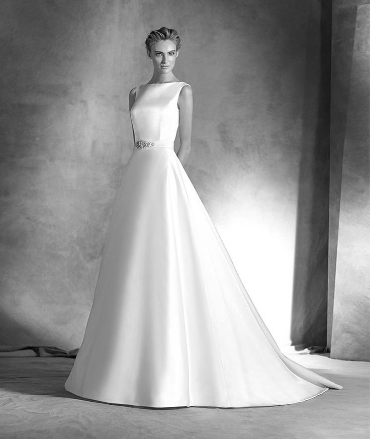 The New Design Wedding dress, A-line satin. Bodice with bateau neckline, sleeveless with dropped round back. Free Measurement