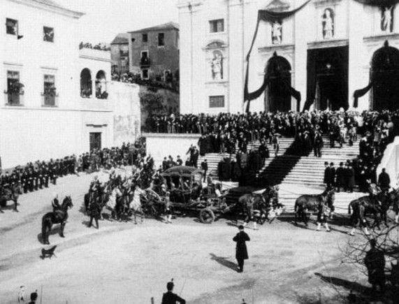 Chegada do cortejo fúnebre de Rei Dom Carlos e do Principe Dom Luis Filipe