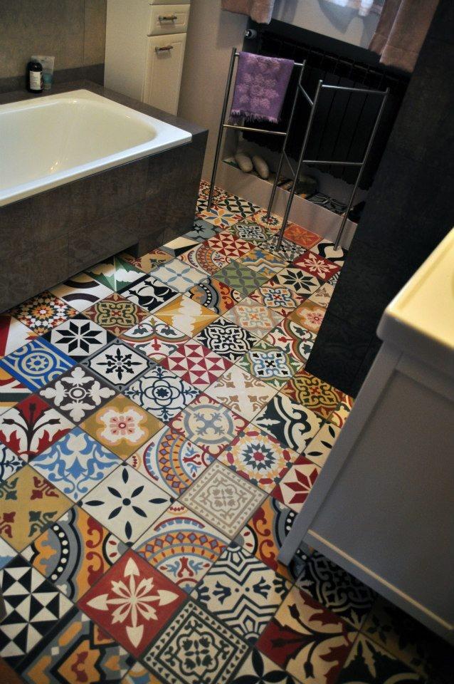 Die besten 25 badezimmer mit mosaik fliesen ideen auf pinterest neue badezimmerdesigns - Zementfliesen dusche ...