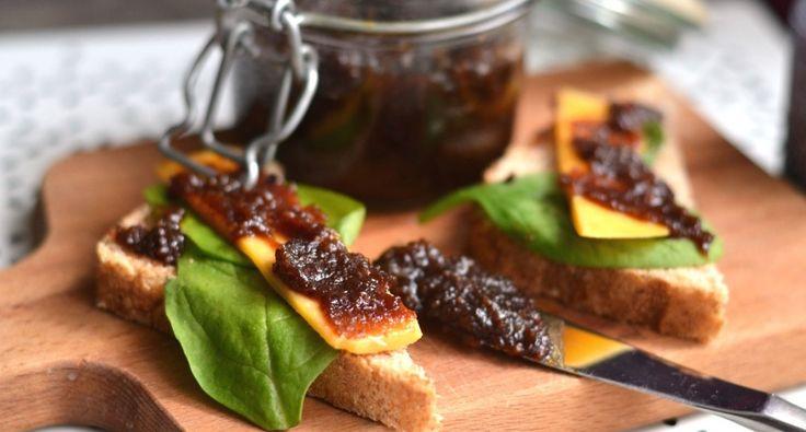 Bacon jam recept: Próbálj ki valami újat! :) Ez a bacon jam recept egy igazi különlegesség! Pirítósra kenve, vagy a kedvenc szendvicsedbe rétegezve is nagyon finom! Próbáld ki! ;)