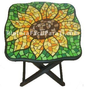mesa-pintada-con-mosaico