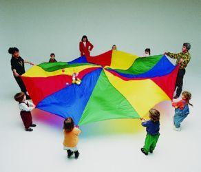 #Paracaidas #infantil para #juegos grupales en esterior o interior. Un elemento educativo perfecto para #guarderías o centros de #educación #infantil. Los paracaídas se trata de un magnífico #juego para #niños