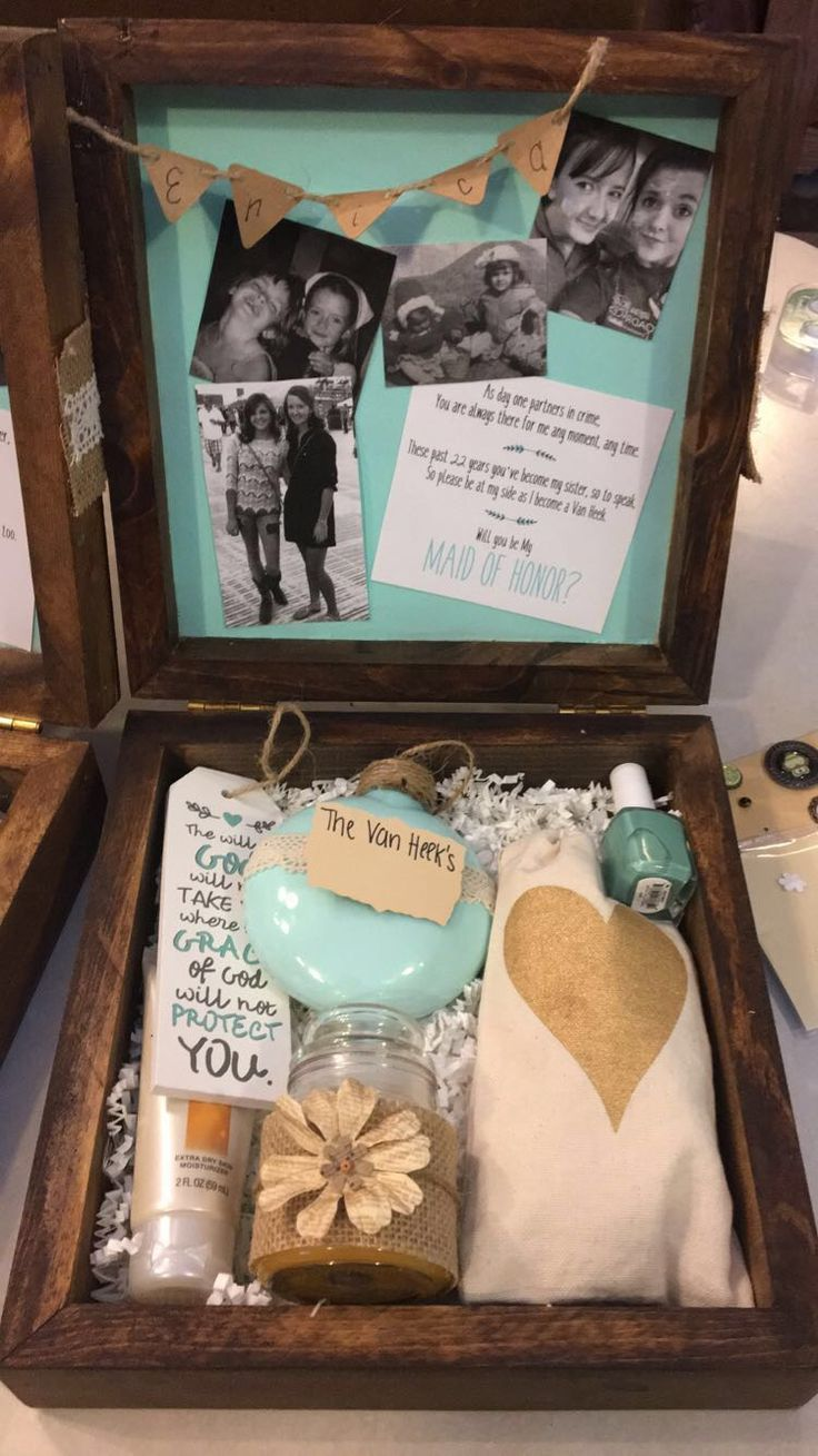 Rustic Maid of Honor Box. Will you be my Maid of Honor? Bridesmaid box. Homemade maid of honor gift box. Country wedding