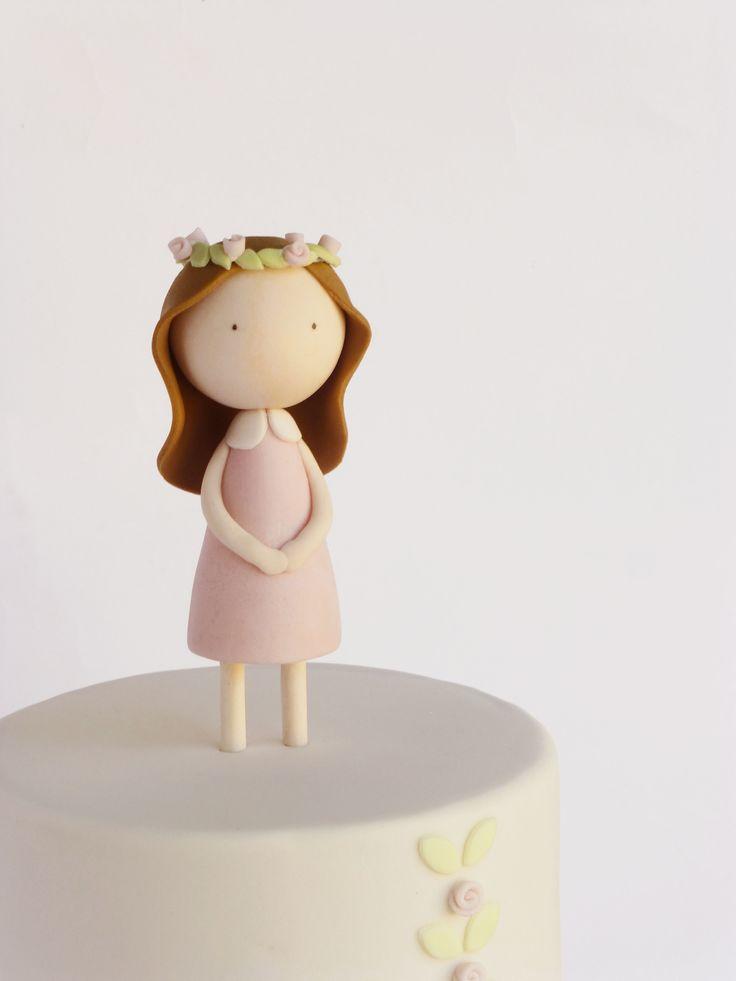 A nossa primeira sugestões para as muitas comunhões que se avizinham.  Adoro a coroa de flores!    ♥︎