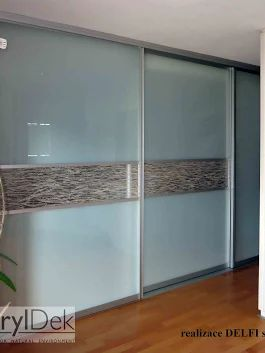 Resin panel with natural inlays - filling of sliding door