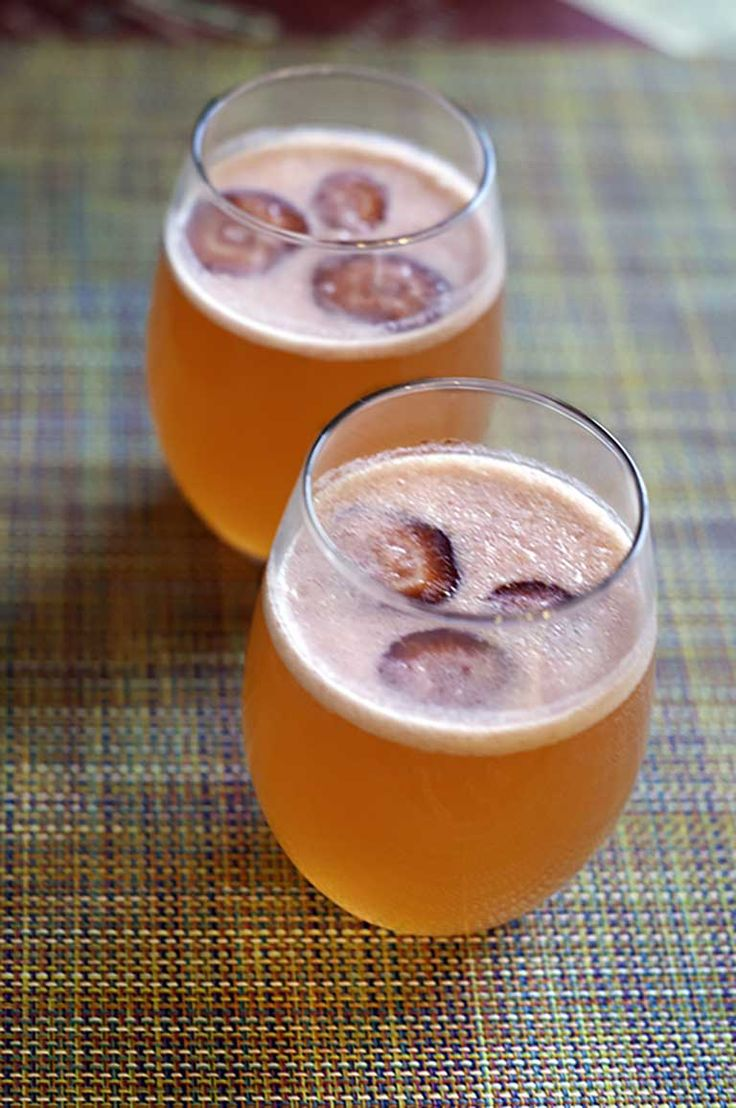 Want to try a new type of mimosa? Try this copycat recipe for the Sunflower Bakery and Cafe Strawberry Mimosa.