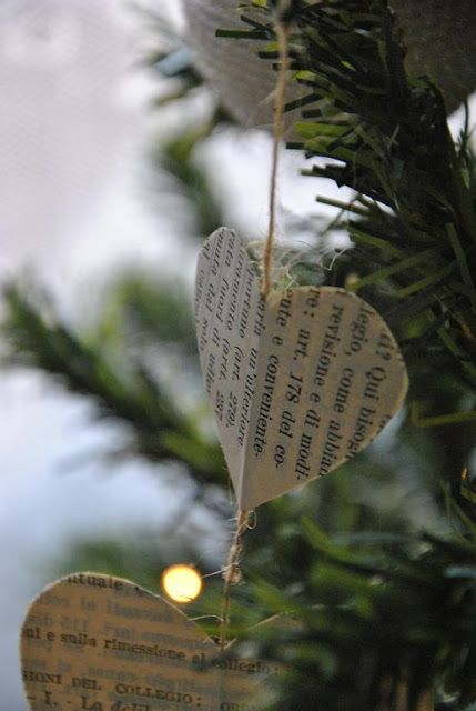 Christmas Tree Paper Decorations- perhaps do something similar but in Burlap?