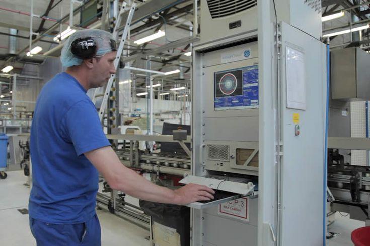 bij procestechniek gebruik je alleen machines