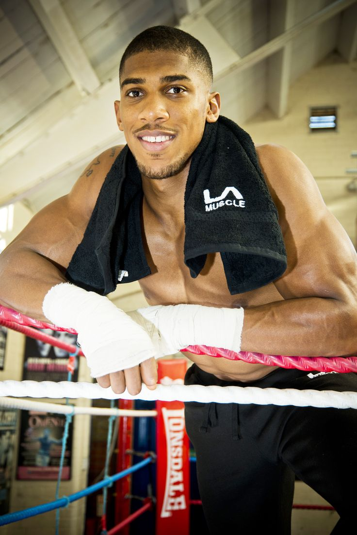 ***Congratulations to LA Muscle ambassador and Olympic Gold Medallist Anthony Joshua MBE*** Anthony made it three wins out of three in his professional heavyweight career after a second round stoppage against Croatia's Hrvoje Kisicek at York Hall in Bethnal Green, London.