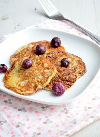 Het leuke aan dit recept is dat het ook nog eens gezonde pannenkoeken zijn zonder melk.