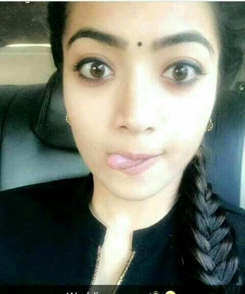 naked Selfie Rashmika Mandanna (54 fotos) Paparazzi, Twitter, bra