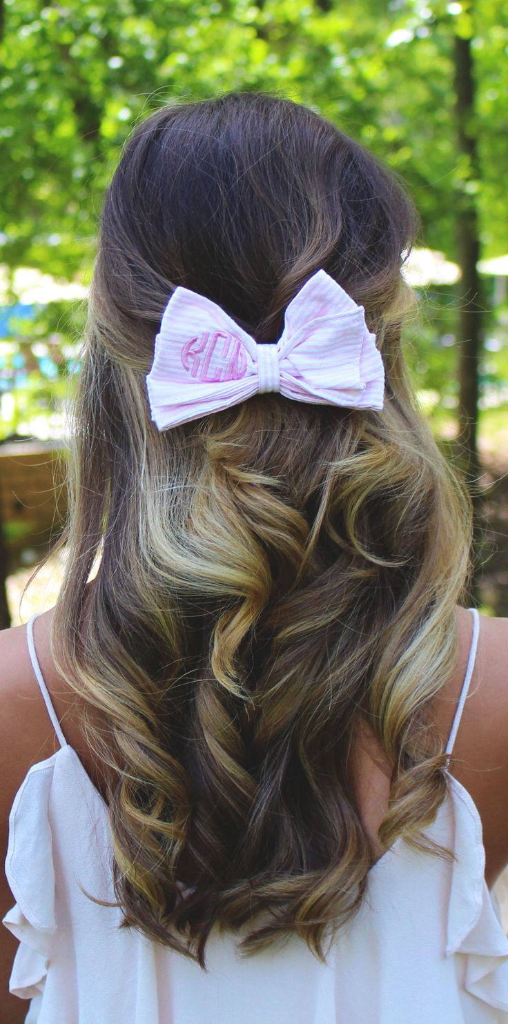 This Monogram Seersucker Hairbow is on SALE now at Marleylilly.com! Don't forget to check out the rest of our sweet seersucker items! #hairgoals #hairbow