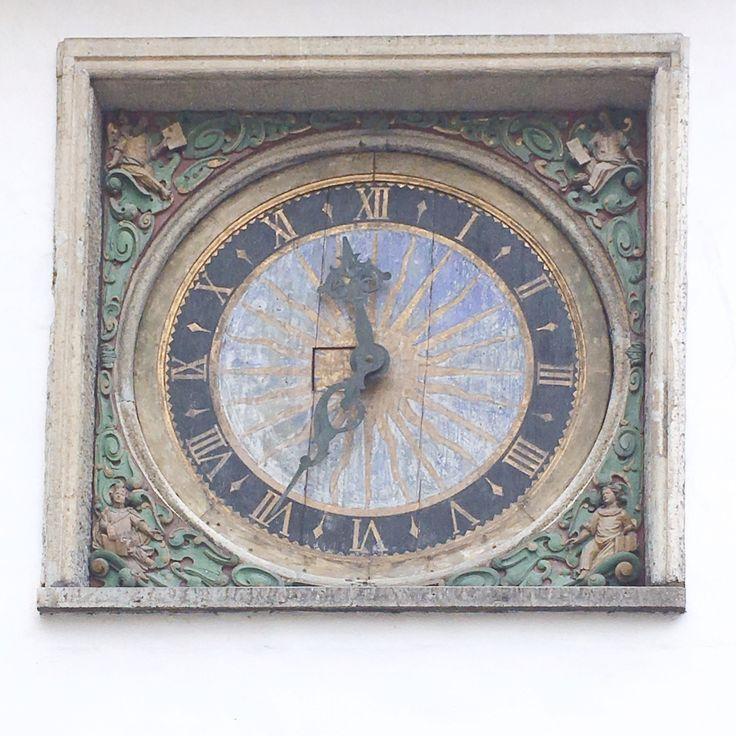 Clock at the Church of the Holly Ghost | Relógio da Igreja do Espirito Santo | Tallinn, Estonia