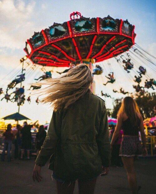 парк аттракционов, осень, блондинка, веселье, девушка