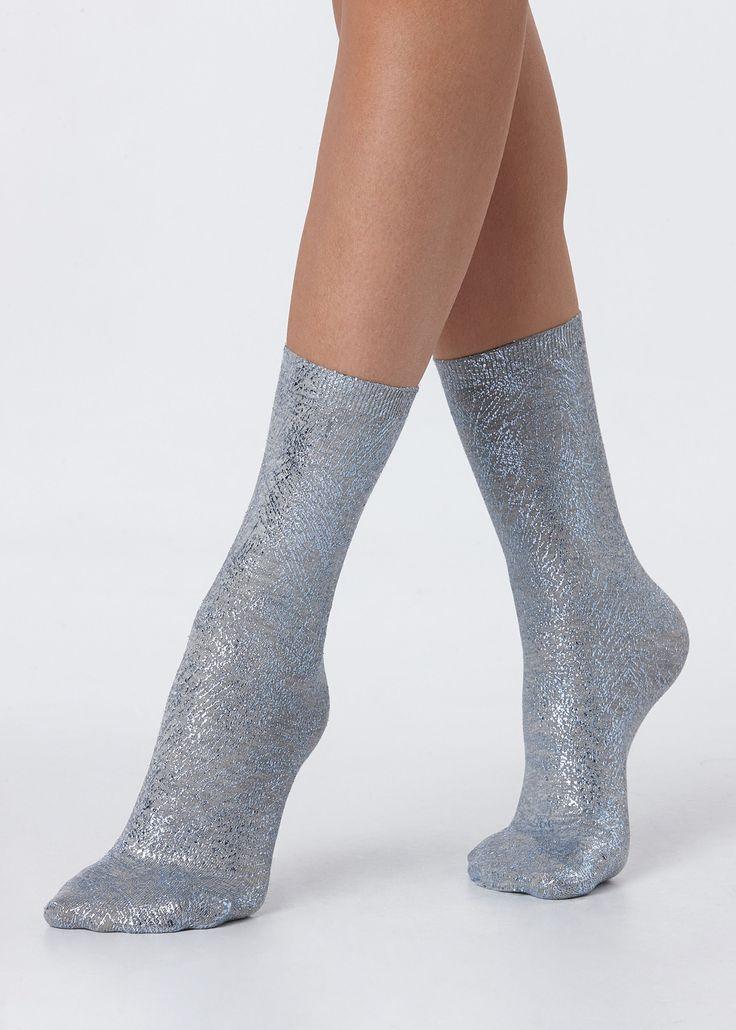 Achetez Chaussettes Basses Fantaisie avec Application dans la boutique Calzedonia. Une longue tradition de la mode et de qualité.