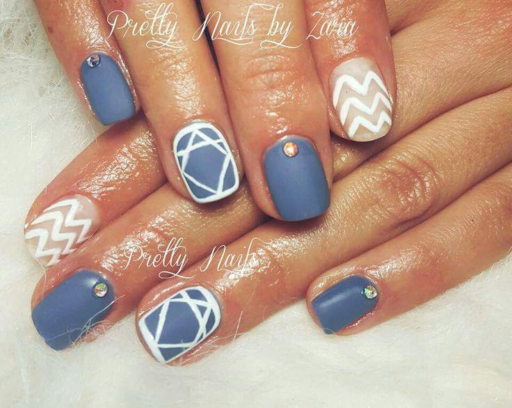 #mattenails #greynails #naildesign #soakoff #graphicnails #nailart #manicuretrends2016 #matteobsession  #greyandwhitenaildesign