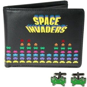 Space Invaders Cufflinks and Wallet in a Set 50fifty Concepts Space Invaders design Cufflinks and Wallet in a boxed Set, Bringing the cool looks of the iconic Space Invaders battle scenes to a sleek and practical wallet.