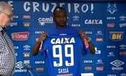 src=Xhttp://s02.video.glbimg.com/180x108/5939437.jpg> Sassá é apresentado pelo Cruzeiro e garante que problemas no Botafogo foram contratuais Xhttp://globotv.globo.com/rede-globo/globo-esporte-mg/v/sassa-e-apresentado-pelo-cruzeiro-e-garante-que-problemas-no-botafogo-foram-contratuais/5939437/