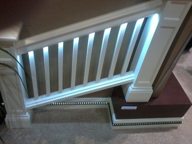 Light Integrated Trim For Stair Hand Rail