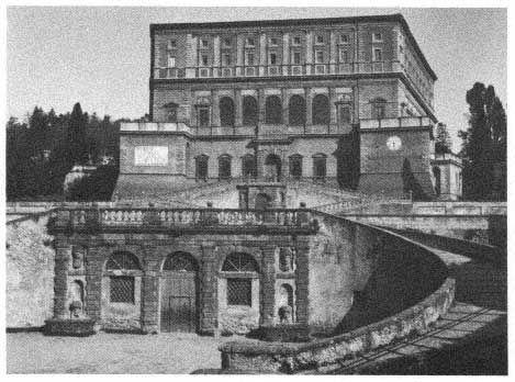 Jacopo Vignola, Palazzo Farnese (1550–1559), Caprarola (Viterbo).   Courtesy of ENIT , Italian Government Travel Office, New York.