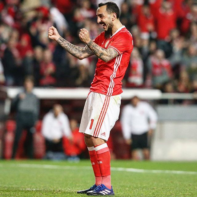 @uefachampionsleague #Mitroglou has 8 goals in his last 10 games for @slbenfica.  #UCL #championsle