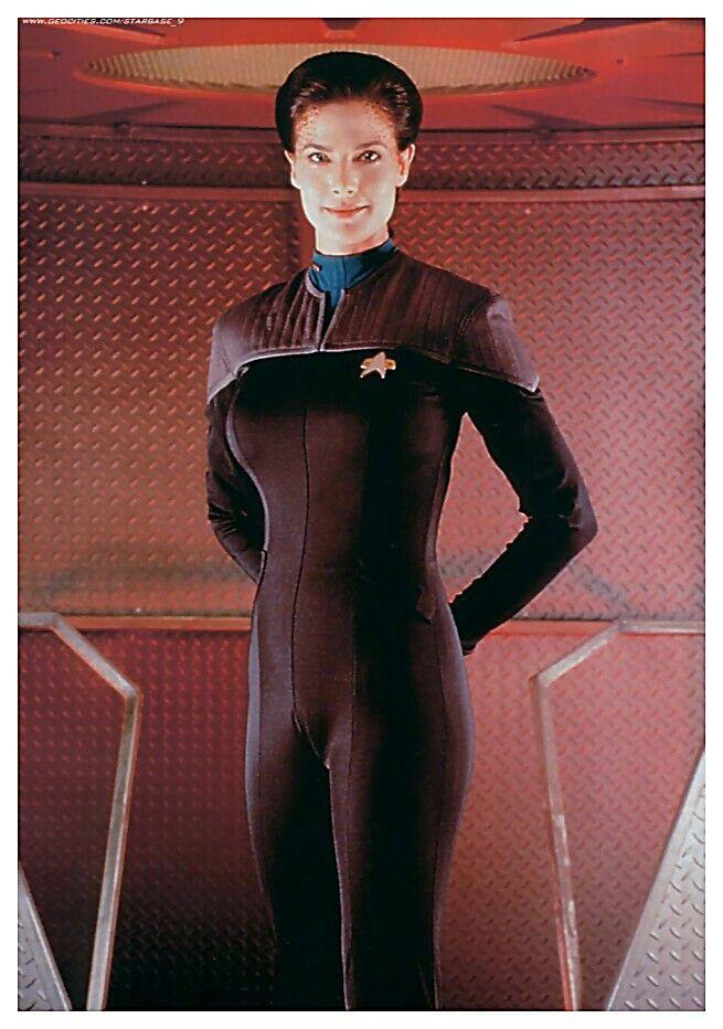 The women of Star Trek TV Series: Deep Space Nine. Actres: Terry Farrell, who plays Jadzia dax.