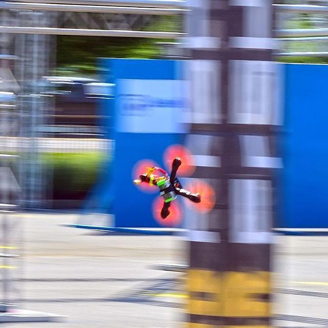 Great photo from Dover Internationals, first race of the 2017 Drone Racing Series! @monstermile @frsky_rc (Photo cred by @hawkx.fpv)  #droneracing #IDRA #DroneRacingSeries #fpvracing #drones #racing #esports #sports #Dover #DoverInternationalSpeedway #MonsterMile #fpv #nascar #worldchampionship #foxeer #dalprop #liftoff #thinktank #hobbico #gemfan #frsky #tmotor #seemecnc #amazonprime #amazonvideo #dailymotion #runcam #raceflight