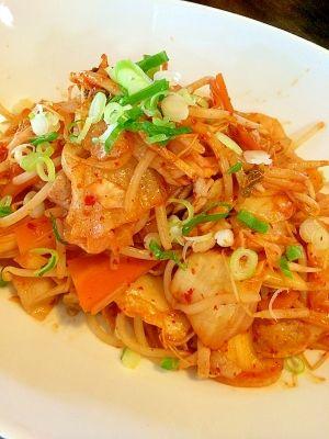 「豚キムチ野菜炒め」キムチで食欲UPです(*^^*)【楽天レシピ】