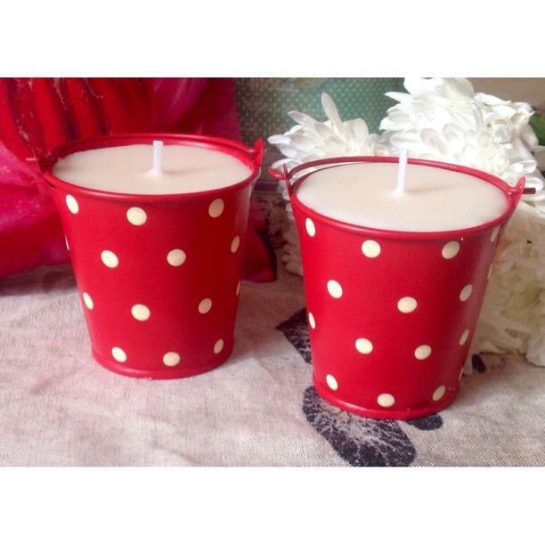 Gorgeous handmade Snowball London candles. Great for wedding favours or gifts. Www.etsy.com/shop/SnowballLondon
