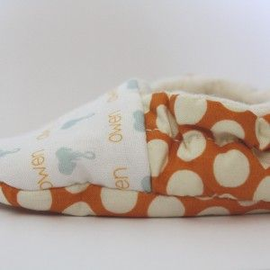 Personalized, sherpa lined baby shoes. www.fawnandclover.com