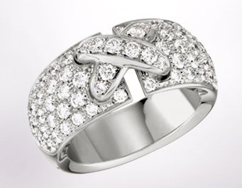 Chaumet-Liens-web-Apr.2013,Liens de Chaumet ring in 18-carat rhodium-plated white gold, full diamond paved, medium model