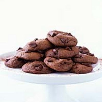 MRS. FIELDS - Double-Rich Chocolate Cookies @keyingredient #cake #chocolate