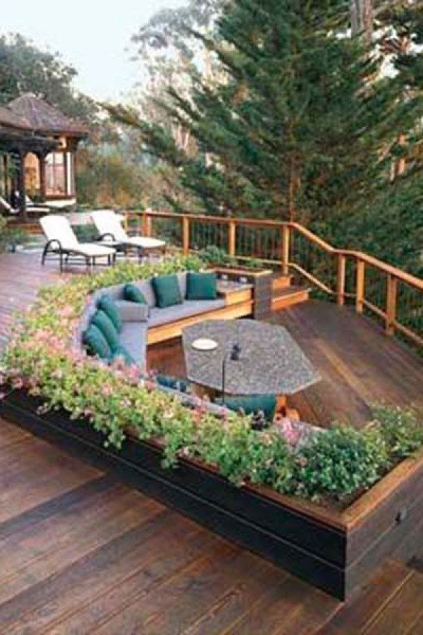 10 Beautiful DIY Deck Projects for you to try for your yard Deck