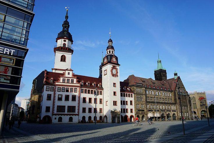Altes und Neues Rathaus am Chemnitzer Marktplatz 2015 - Chemnitz – Wikipedia