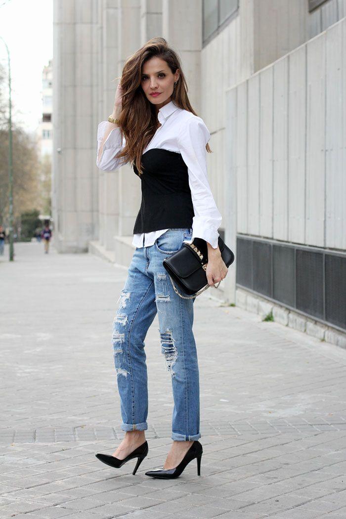 Corset and boyfriend jeans