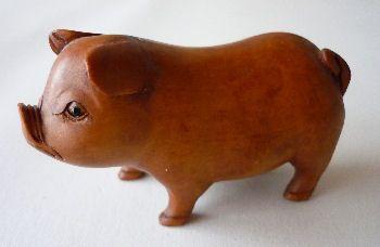 http://fmlkunst.home.xs4all.nl/glazenvarkens2/glas2.htm - houten varken TE KOOP voor 7,95 euro