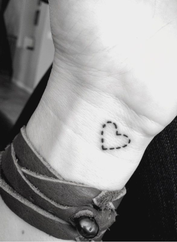 40 Best Heart Tattoo Ideas。Love this dotted heart except in red or green