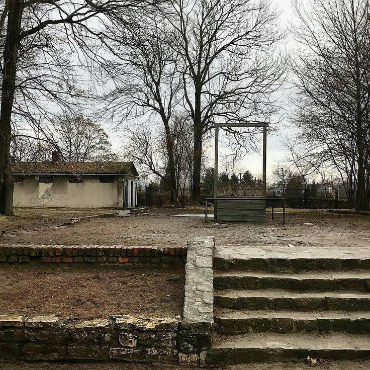 --- Photo by @delphine.jt --#auschwitzbirkenau #concentrationcamp #exterminationcamp #secondworldwar #history #photography #hanging - #regrann
