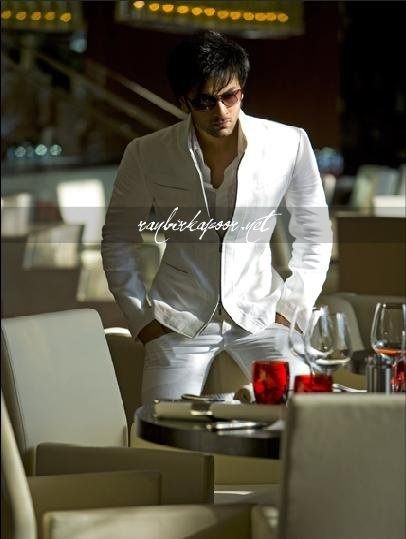 Classy outfit..white!!!