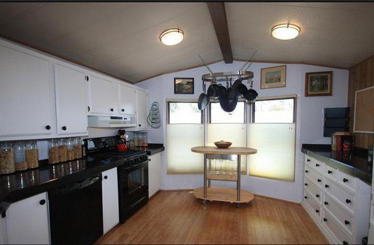 Sensational single wide bachelor pad single wide for Bachelor kitchen ideas