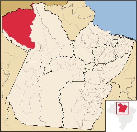 """Localização de Oriximiná   Oriximiná é um município do estado do Pará, no Brasil. Se localiza a 01º45'56"""" de latitude sul e 55º51'58"""" de longitude oeste, estando a uma altitude de 46 metros acima do nível do mar. É o segundo maior município do Estado do Pará."""