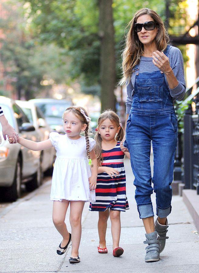 La salopette de Sarah Jessica Parker dans les rues de New York