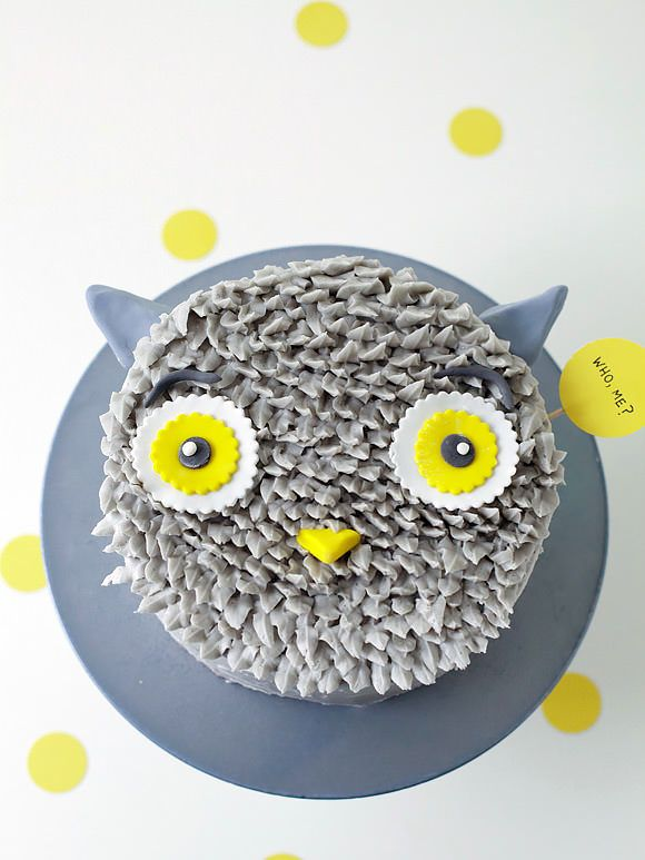 DIY+Gray+Owl+Cake+Decorating+Tutorial