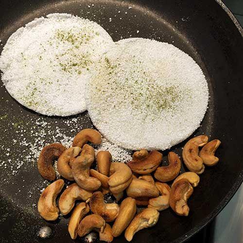 Isso mesmo, a tradicional tapioca ganha ares e sabor diferente quando na hora de servir pulverizá-las com uma ponta de faca de matchá – o chá verde em pó de origem japonesa. O chá é amargo, e combina com gosto e a textura das castanhas-de-caju salgadinhas, torradas no forno servidas morninhas. Para acompanhar cerveja, é […]
