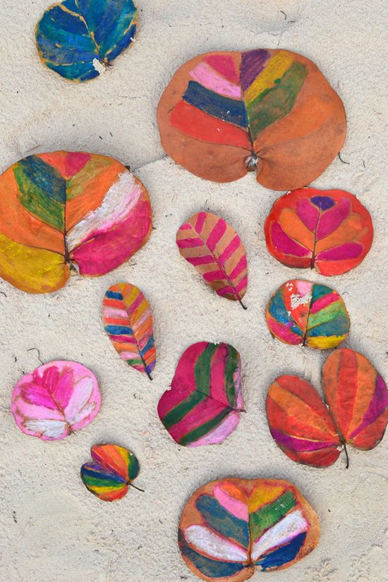 make: painted leaves ~ simple vacation art project with kids   @Marianne Glass Glass Tone Silveira Correa - Small for Big