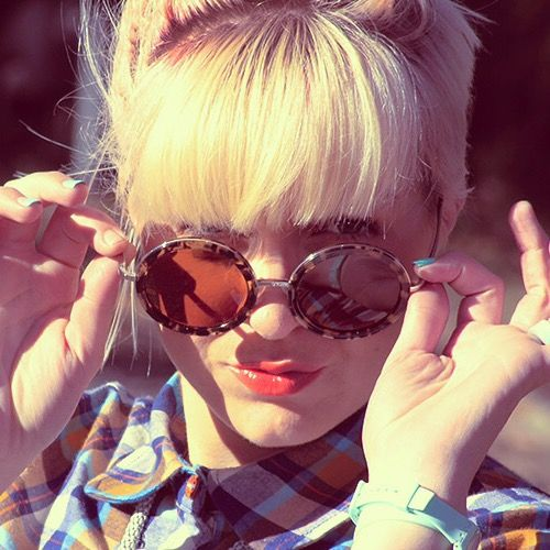 Meet Kel Reynolds, the latest addition to our family of #StyleAmbassadors: http://www.clearlycontacts.com.au/thelook/kel-reynolds-style-ambassador/?cmp=social&src=pn&seg=au_14-10-10_kelreynoldsfeature-smco #sunnies #sunglasses #style #fashion #frames