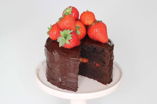 Browniebombe med jordbær