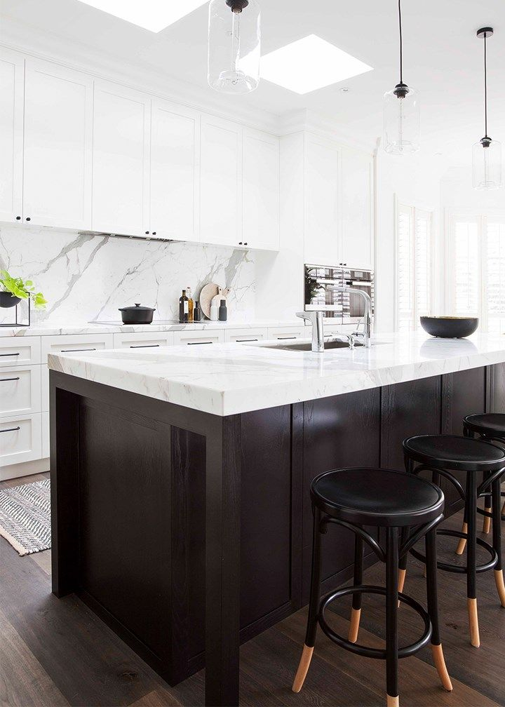 Marble and monochrome kitchen