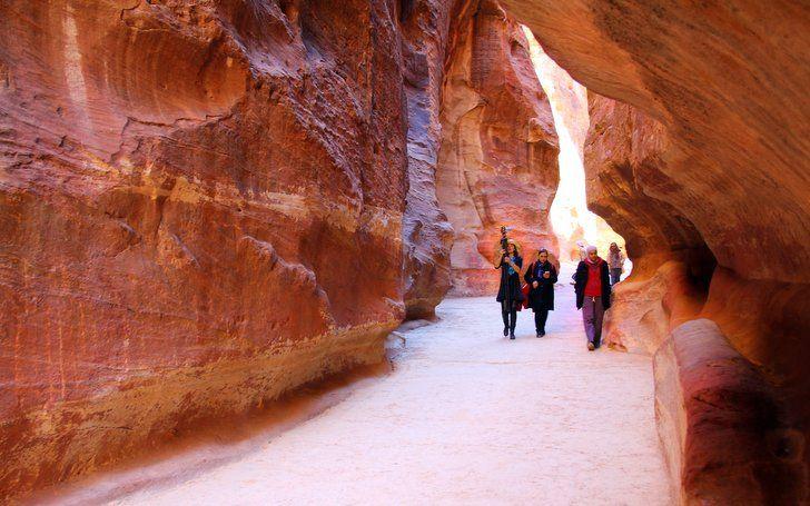 Dünyanın En Güzel Antik Yollarından Biri: The Siq, Petra | yoldaolmak.com