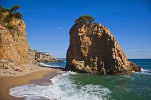 Platges nudistes. Aquesta es diu Illa Roja a Begur (Girona)